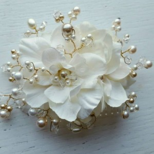 Bridal Hair Comb, Wedding Comb, Ivory Comb, Floral Wedding Comb, ivory Bridal Comb,  Ivory Hair Comb,Freshwater Pearls, crystal comb