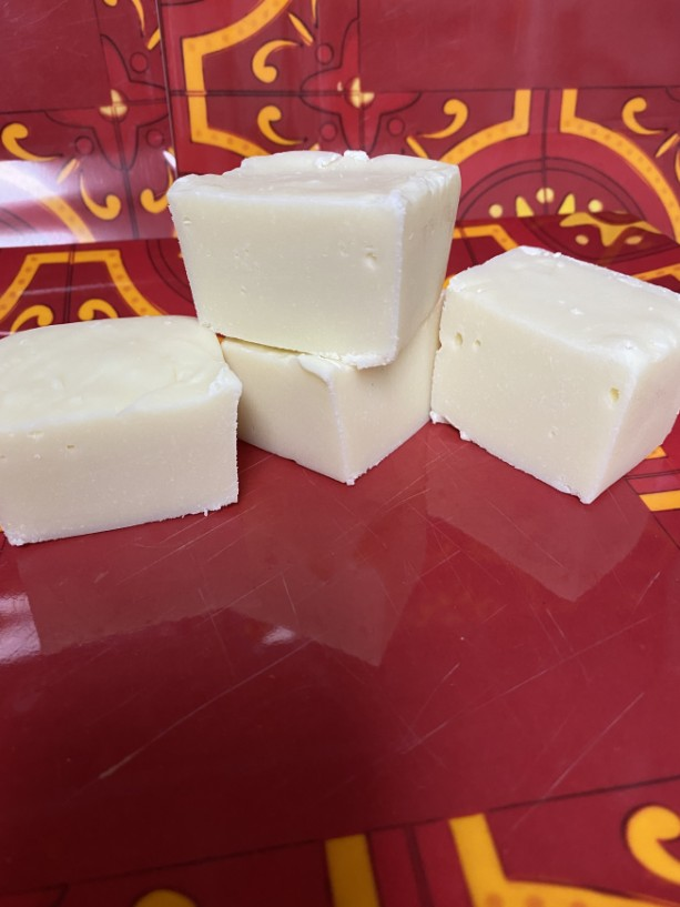 White Chocolate Fudge  **nut free**  1/2 pound   FREE SHIPPING !