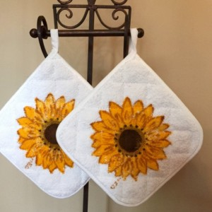 Sunflower kitchen pot holders set of 2, Valentines day from daughter, rustic sunflower decor, country cottage decor, farmhouse decor, mom