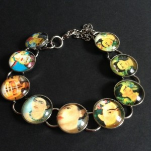 Frida Kahlo Bracelet with Different Pictures•Frida Kahlo Artist•Kahlo•Frida• Bracelet with Frida Kahlo•Glass Dome with Frida Kahlo Face.
