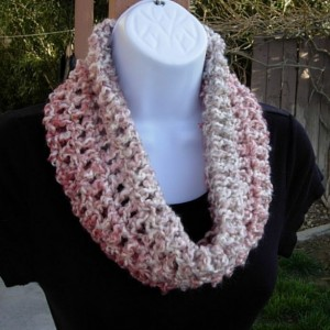 SUMMER COWL SCARF Cream, Off White, & Pink, Small Short Infinity Loop, Handmade Crochet Knit Necklace, Ready to Ship in 2 Days