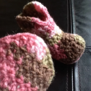 0/6 Month Pink Camo Baby Girls Crocheted Cowboy Boots