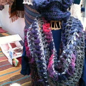 Möbius infinity scarf