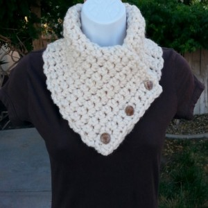 Light Cream NECK WARMER SCARF with Three Buttons, Soft Wool Acrylic Blend, Solid Off White Winter Chunky Thick Buttoned Cowl..Ready to Ship in 2 Days