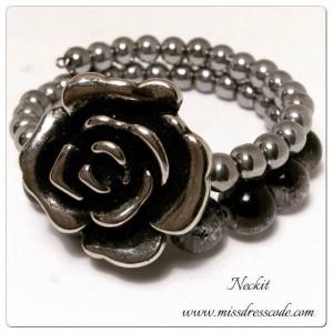 Rose Charm Beaded Bracelet