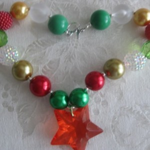 HOLIDAY chunky necklace, kid necklace, baby necklace, adult necklace Photo Prop, Gumball necklace, in Christmas colors