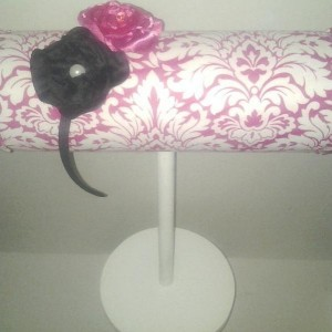 Boutique headband or bracelet display stand, pink damask great booth displays promote sales