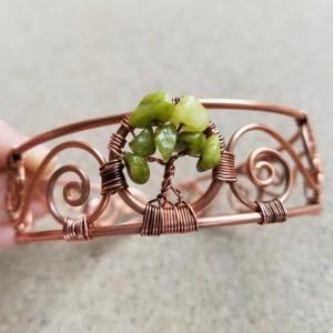 Tree of life bracelet in green stone