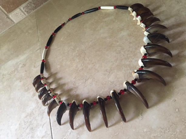 Traditional style bear claw necklace native american made