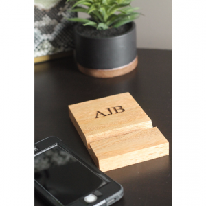 Free Shipping! Oak Cell Phone Dock   Personalized Custom Engraving   Desktop Holder Droid Charging Station
