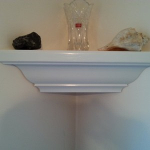 Crown corner shelf