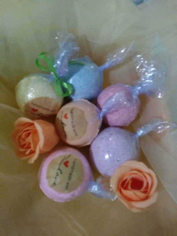 FREE SHIP 4 LARGE 5oz Natural Essential Oil Bath Bombs Set