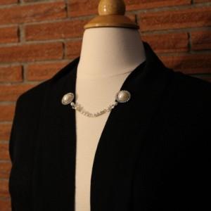 Rhinestone and faux pearl sweater keeper
