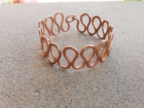 Uniform wave bracelet