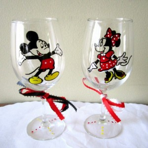 Hand Painted Glass MIckey and Minnie Mouse Wine Glass 2pc Set