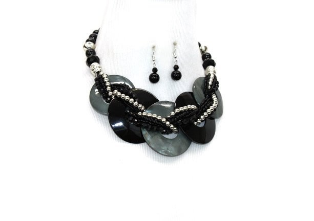 Black Multi Twisted Beads Shell Disk Pendant Necklace Set