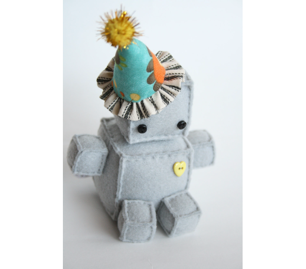 Wee Plush Birthday Robot