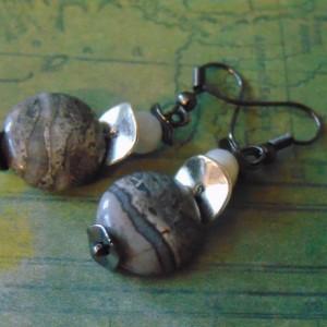 Silver Gray Flat Crazy Lace Agate Gun Metal Ear Wire Dangle Drop Earrings