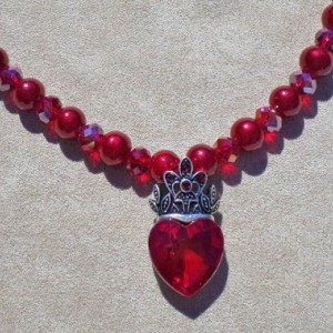 Amor sempiternus ( It means Eternal Love in Latin) necklace.