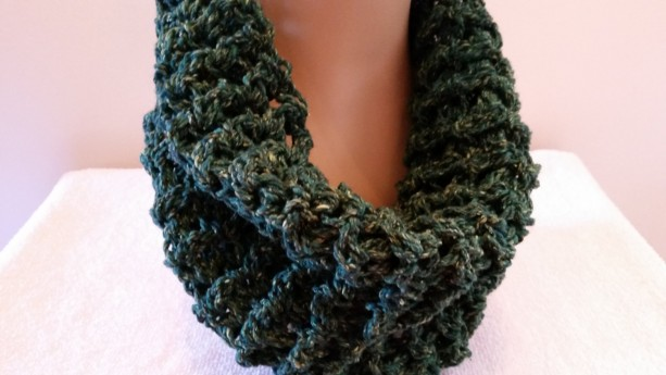 Infinity Cowl - Outlander Claire Sassenach Scarf, Chunky Scarf, Crochet Scarf,  Handmade Green Scarf, Circle Scarf, Unisex