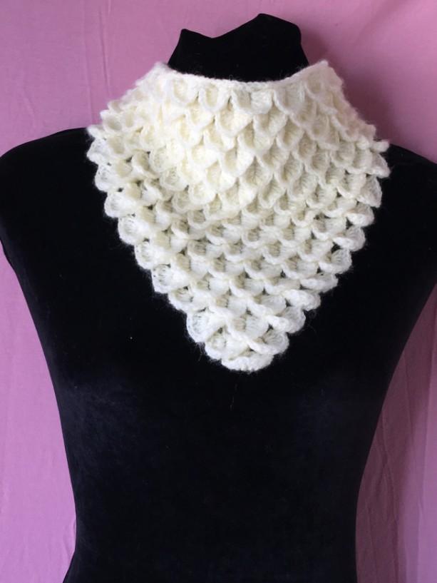 Ivory crochet cowl