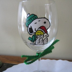 Hand Painted Glass Snoopy & Woodstock Christmas Wine Glass 12 oz