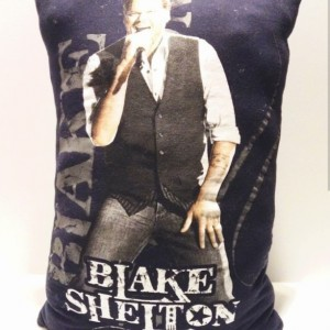 Blake Shelton T-shirt throw pillow