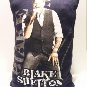Blake Shelton T-shirt throw pillow