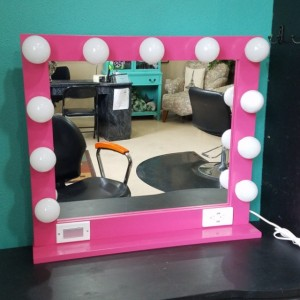 PINK 32 X 28 Lighted Hollywood style Glamour vanity mirror