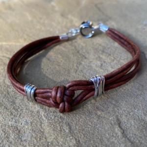 Simple brown leather knotted bracelet
