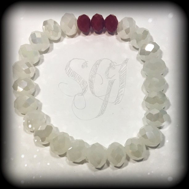 White, Multifaceted Glass Beaded Bracelet with Red Multifaceted Glass Accent Beds
