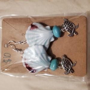 Sea shell and turtle earrings