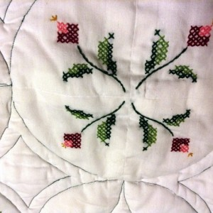 Cross-Stitch Lap Quilt White with Red Roses