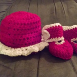 Crocheted Hat & Booties, Scalloped Baby Hat Straight Edge Booties