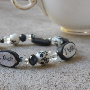 Charlotte Mason Motto Bracelet, Black - White