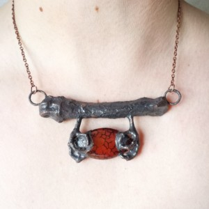 Electroformed Bird Claw Dragon Vein Agate Necklace