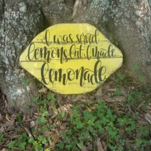 I was served lemons but I made lemonade sign, distressed lemon kitchen decor, wood sign, life and lemons, wooden lemon decor, kitchen lemon