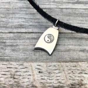 90's Choker, Vintage Metal Ying Yang Charm, Suede Wrap