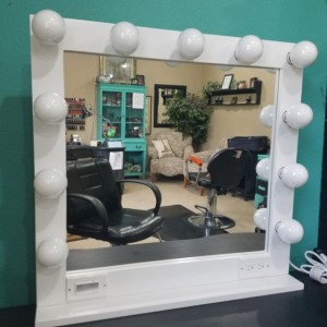 WHITE 32 X 28 Lighted Hollywood style Glamour vanity mirror