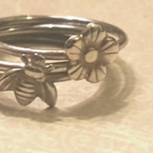 Sterling tiny bee and daisy stacking rings (set of 3)