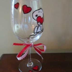 Hand Painted Wine Glass Snoopy with Hearts - 12 oz. Glass