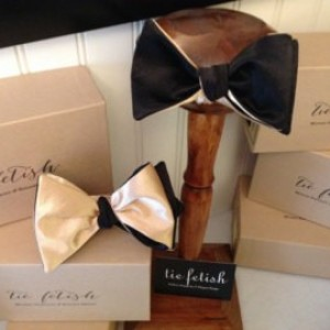 Reversible mens black and gold bow tie