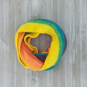 Scarf. Scarves. Crochet scarf yellow  vibrant colors. Vibrant colors scarf. Modern Crochet. Crochet. Fashion. Handmade. Infinite scarf. Circular scarf