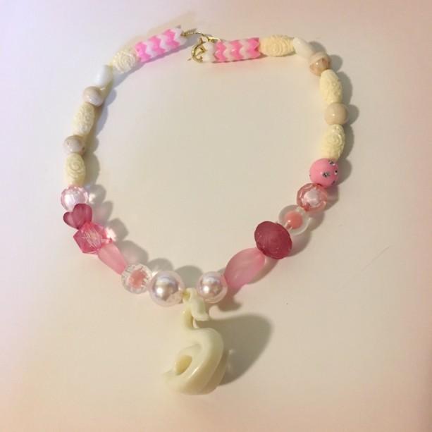 White Swan Pendant Charm Plastic Beaded Choker Necklace