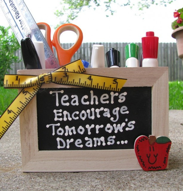 Teacher GIft  2701DC Teacher Encourage...Dreams Supply Box