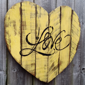 Shabby Chic Handmade Reclaimed Pallet Wood LOVE Heart Sign