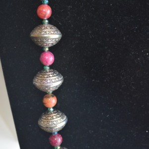 N9 - Silver and jasper bead necklace