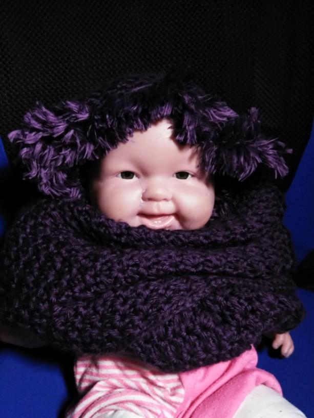 Handmade hodded scarf