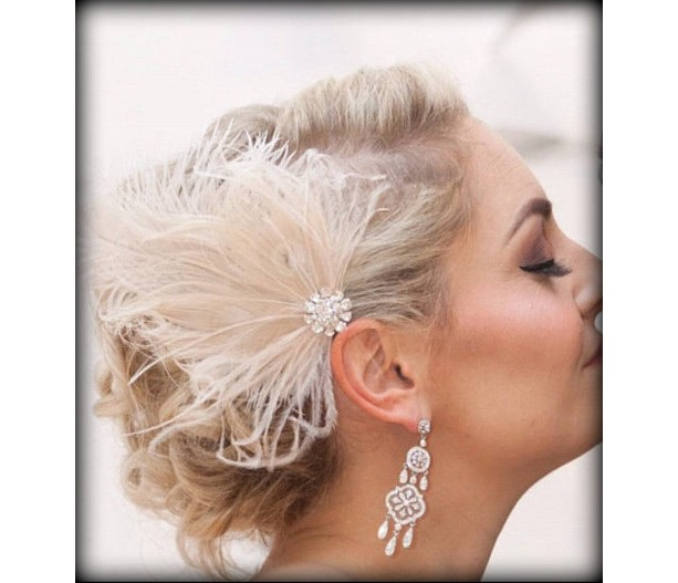 Wedding Fascinator, Feather Hair Clip, Ivory Fascinator, Bridal Hair Fascinator,Vintage Style Fascinator, Great Gatsby, Bridal Comb,