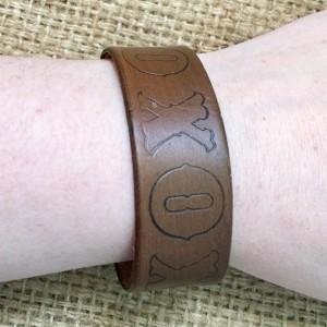 Leather Stamped Cuff, XO Stamped Cuff, Leatherwork Cuff, Hand Stamped Cuff, Western Stamped Cuff, Cowgirl Stamped Cuff, Brown Leather Cuff